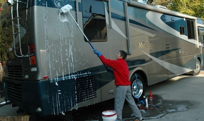 How-to-Clean-the-Outside-of-a-Camper-Trailer