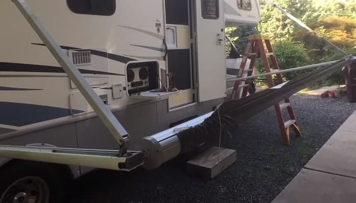 How-to-replace-RV-Awning-Roller-Tubes