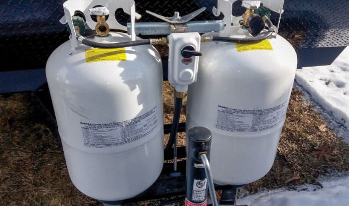 how-to-switch-propane-tanks-on-rv