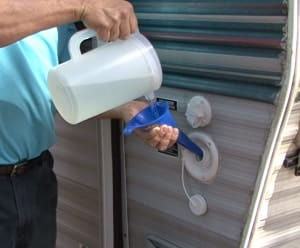 cleaning-rv-fresh-water-tank