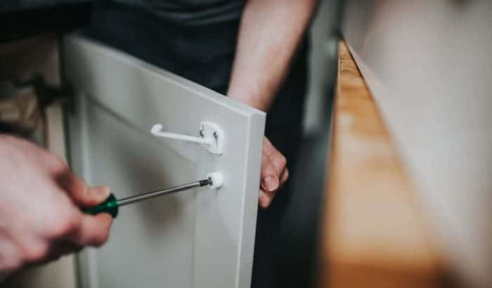 how to keep rv drawers closed
